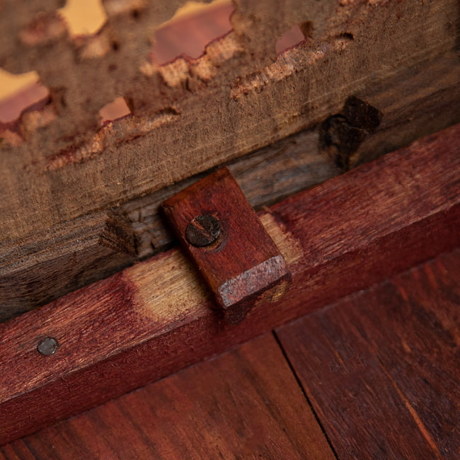 アジアンサイドテーブル 【直径:45cm】の写真12 - インドパパと一緒に撮影しました。