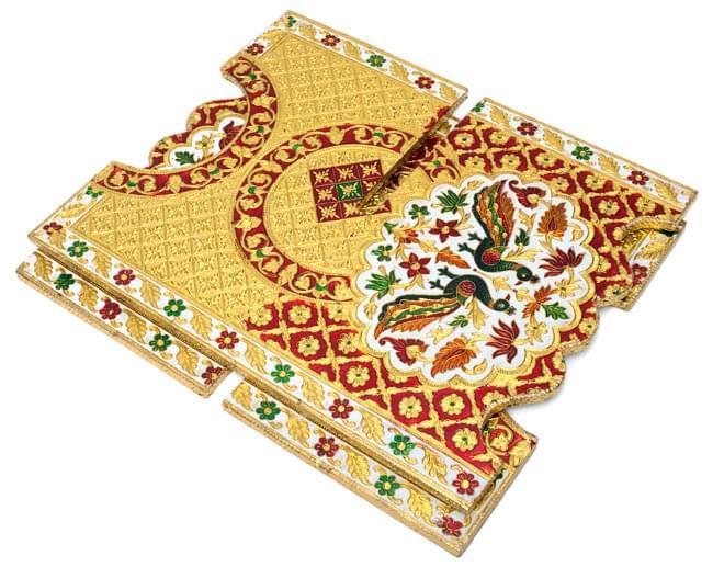 ヒンドゥー教の書見台-大【スワスティカ】 5 - 収納する時は小さくなります。写真は同じ大きさの別の柄です