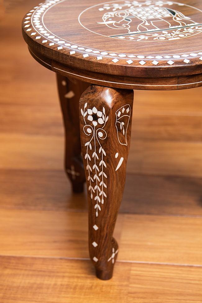 象モチーフのアジアンサイドテーブル 【直径:約30cm】 4 - 象嵌細工が丁寧に彫り込まれている様子が伺えます。