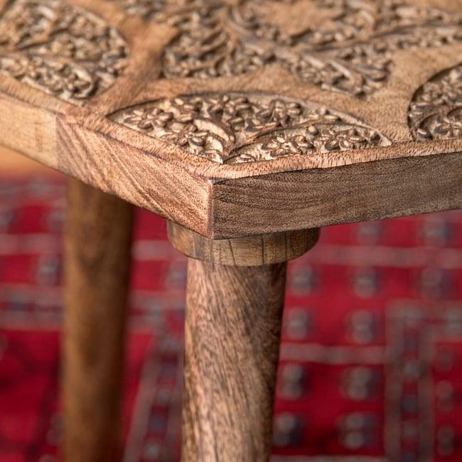 マンゴーウッドのマンダラ・スツール - 子供用椅子 - 小さな椅子 六角形ナチュラル 8 - 横から撮影しました