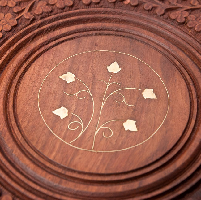 アジアンサイドテーブル 【直径:29cm】【トール】の写真3 - 中央の模様を拡大しました。