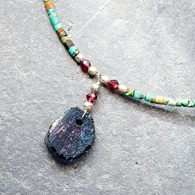 〔一点もの〕ターコイズとローマングラスのペンダント付きネックレス ローマ時代からの贈り物の写真