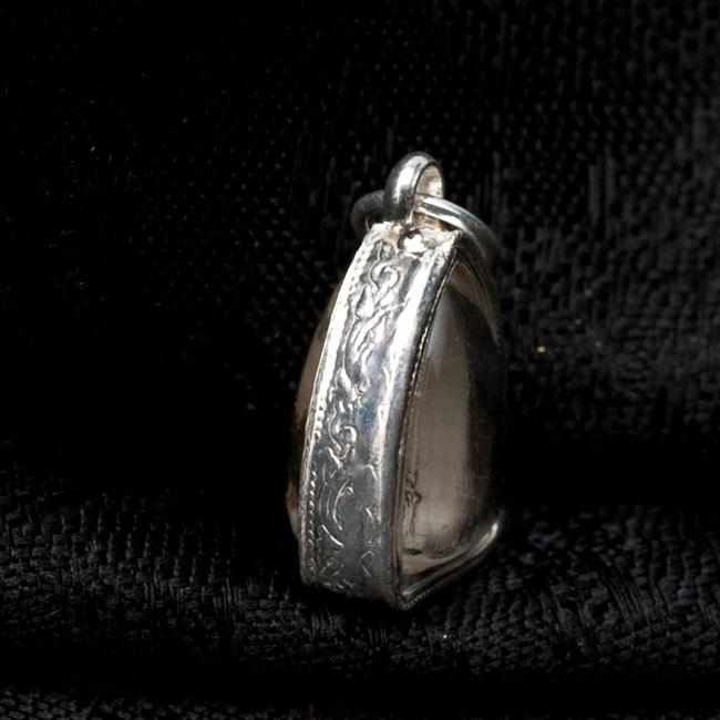 [13mm]タイのペンダント型お守り プラクルアン[仏像] 2 - 別の角度からの写真です