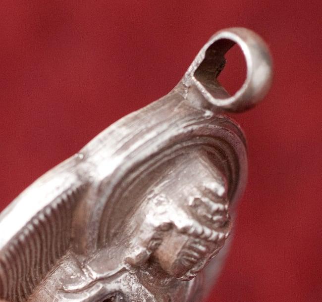 [シルバー925]インドの手作りシルバーペンダントトップ[ブッダ]の写真3 - 側面はこのようになっております
