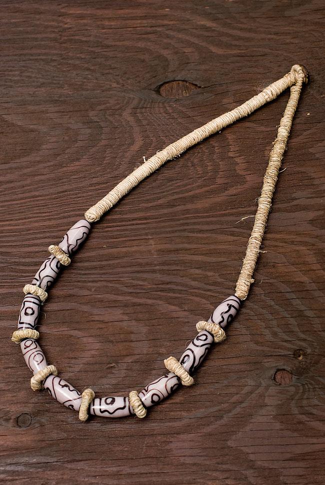 ヘンプのネックレス[ダークピンク]の写真