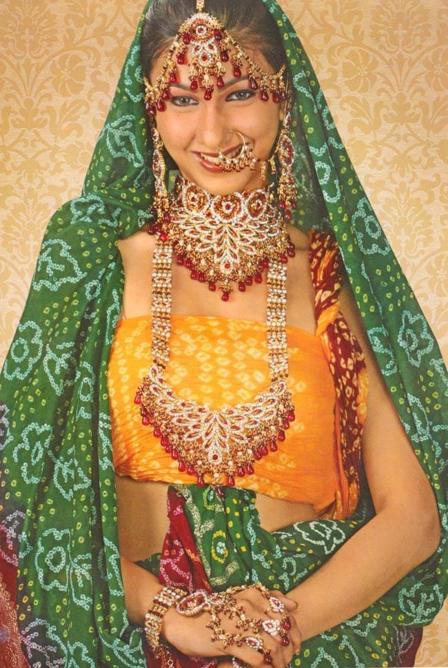 パーティー&婚礼用ジュエリー 6点セット(訳あり品) 4 - インドモデルさん着用のパンフ。綺麗ですね。
