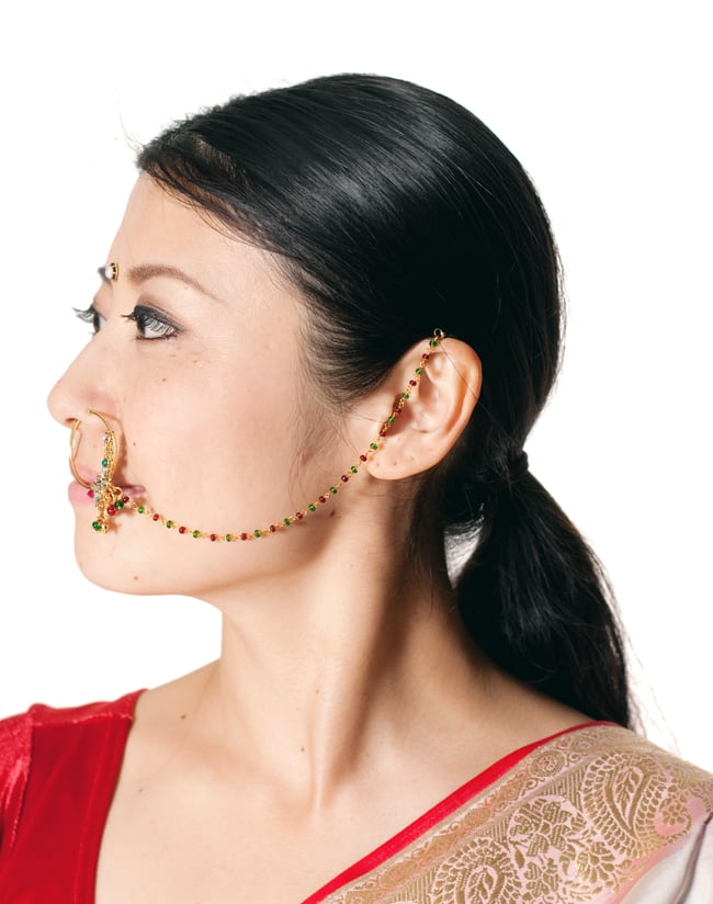 〔ナティー〕ノーズリング インドのノンホール鼻ピアス 11 - ノンホールタイプなので鼻ピアスの穴があいていなくても、気軽につけることができます!もともとはブライダル用に作られたアクセサリーですが、今日ではパーティーなどへも使われています。とてもかわいいので他にも舞台やダンスなど色々な場面へオススメです。