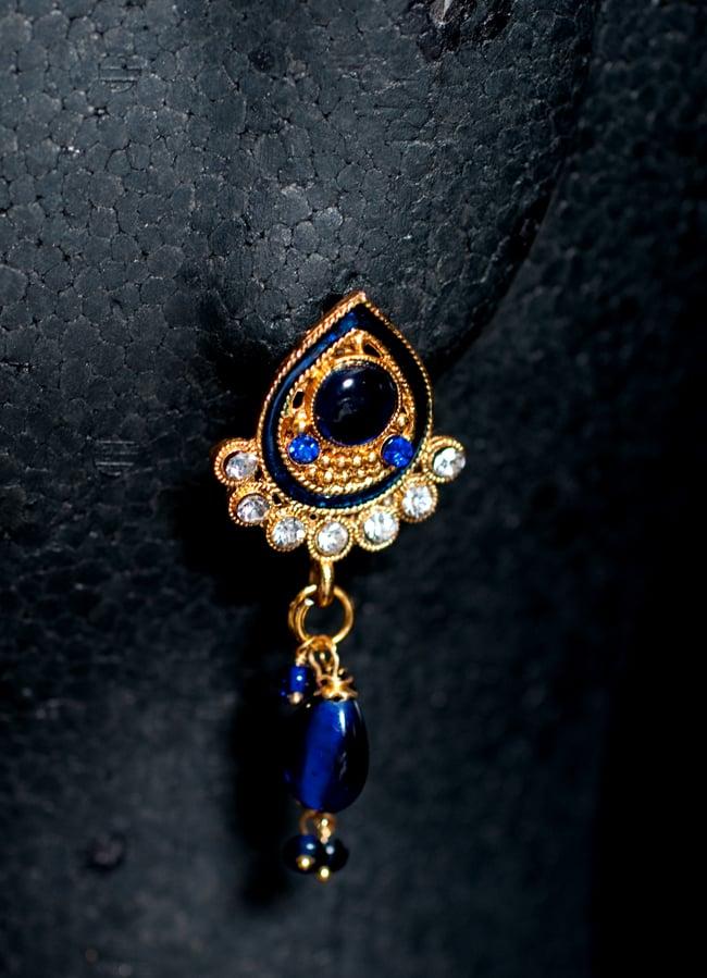 インド伝統アクセサリー オーバルネックレス&ピアスセット 5 - ピアスの写真です。こちらも存在感があり綺麗です。