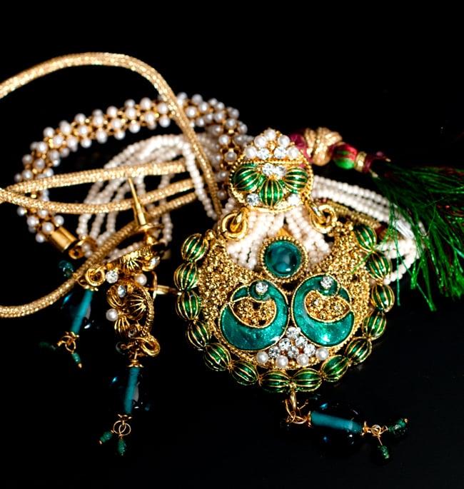インド伝統アクセサリー ピーコックネックレス&ピアスセットの写真9 - 【選択:A】緑の写真です