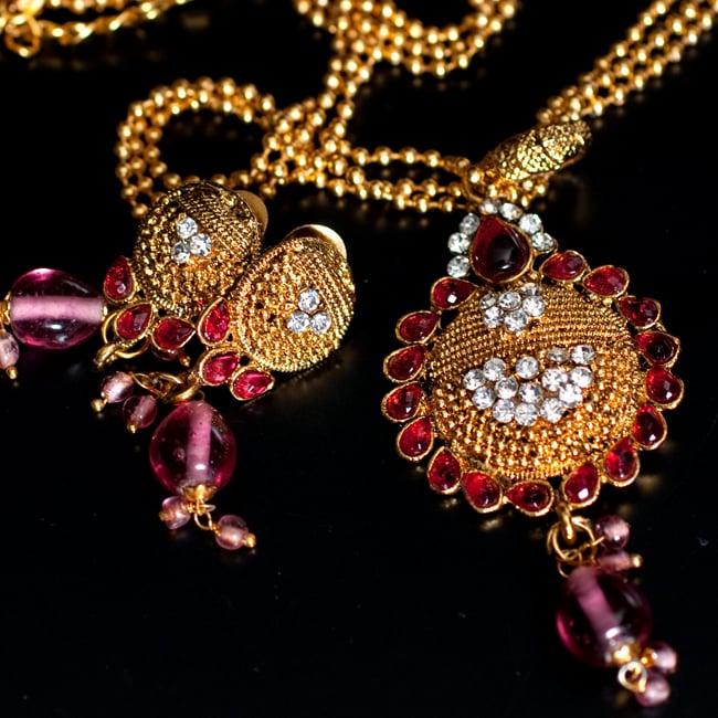 インド伝統アクセサリー フラワーネックレス&ピアスセット 2 - セットなので気軽にあわせることができます