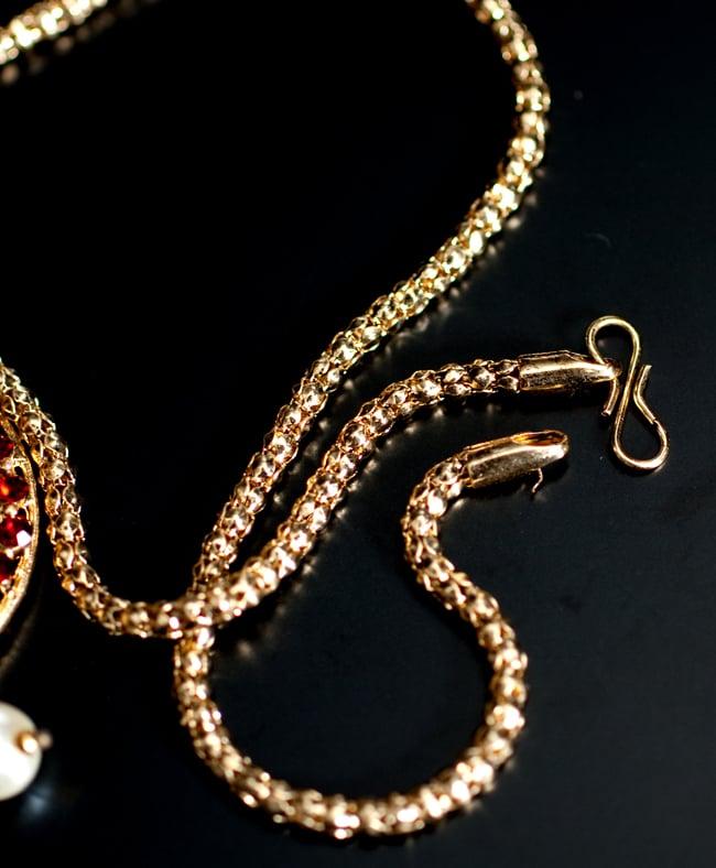 インド伝統アクセサリー 円形ネックレス&ピアスセット 3 - 紐部分の拡大写真です