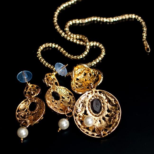 インド伝統アクセサリー 円形ネックレス&ピアスセット 7 - 裏面の写真です