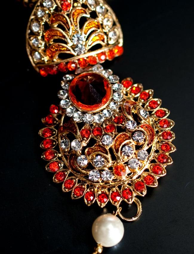 インド伝統アクセサリー フラワーネックレス&ピアスセット 4 - ネックレスの拡大写真です。光を受けると美しく輝きます。