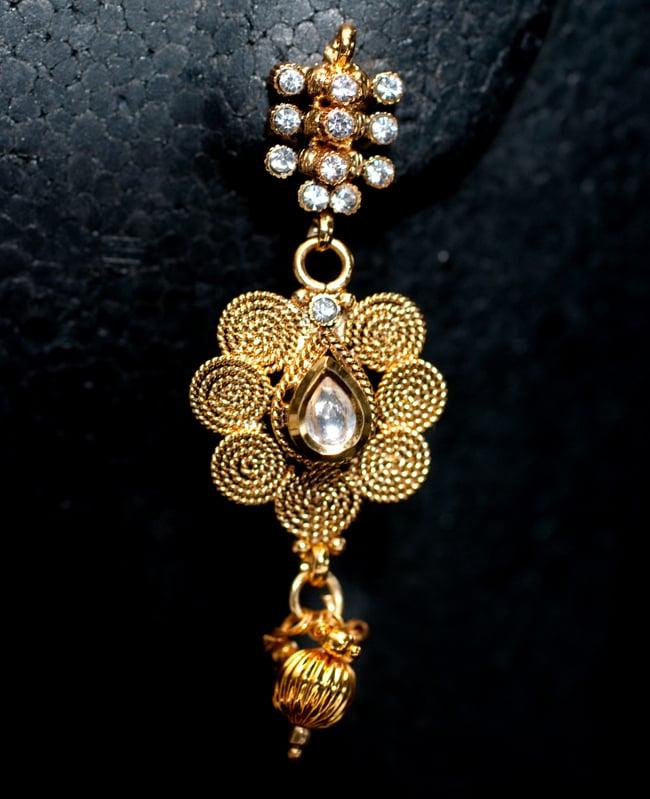 ゴールド・ドクラデザイン ネックレス&ピアスセット インド伝統アクセサリー 5 - ピアスの写真です。こちらも存在感があり綺麗です。