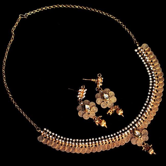 ゴールド・ドクラデザイン ネックレス&ピアスセット インド伝統アクセサリーの写真