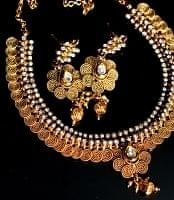 インド伝統アクセサリー クンダ