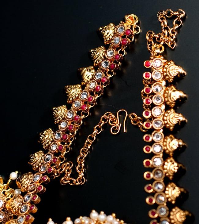 インド伝統アクセサリー クンダンネックレス&ピアスセット 3 - チェーンの取り付け部分はこのようになっています