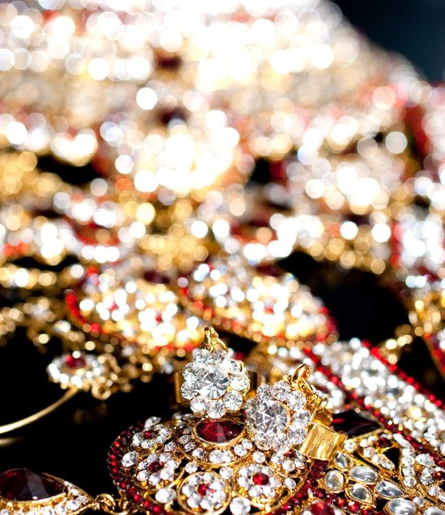 パーティー&婚礼用ジュエリー 豪華8点セット 11 - 拡大写真です。光を受けるとキラキラと輝きます。