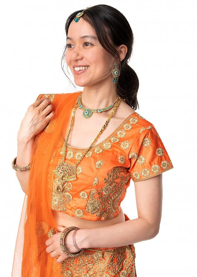 インドアクセサリー3点セット〔ネックレス、ピアス、ティッカ〕 パーティーや結婚式などへ 10 - 長めのチェーンなので、このように他のネックレスとレイヤーにして着用もオススメです。