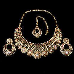インドアクセサリー3点セット〔ネックレス、ピアス、ティッカ〕 パーティーや結婚式などへの商品写真