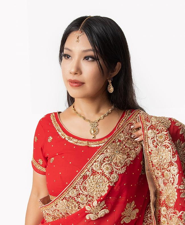 シンプルラインストーンのネックレス&ピアスセット パーティーや結婚式などへ アクセサリーセット 10 - 類似品の着用例です