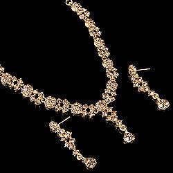 シンプルラインストーンのネックレス&ピアスセット パーティーや結婚式などへ アクセサリーセットの商品写真