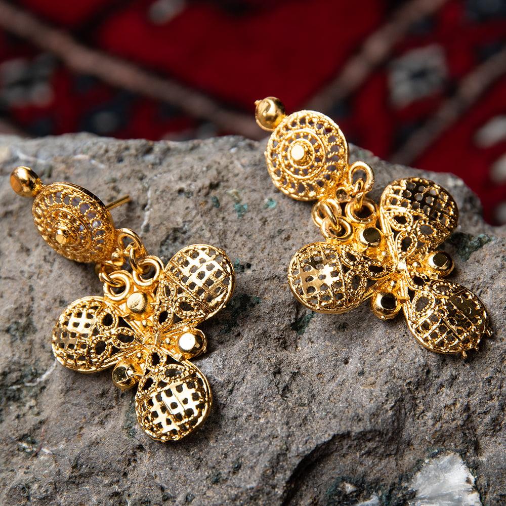 ゴージャス・ゴールド ネックレス&ピアスセット インド伝統アクセサリー 8 - とても素敵な雰囲気です