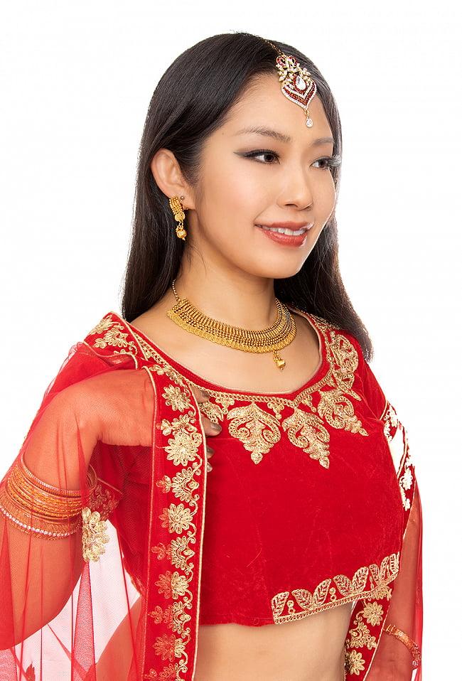 ゴールド・ドクラデザイン ネックレス&ピアスセット インド伝統アクセサリー 11 - 類似品の着用例です