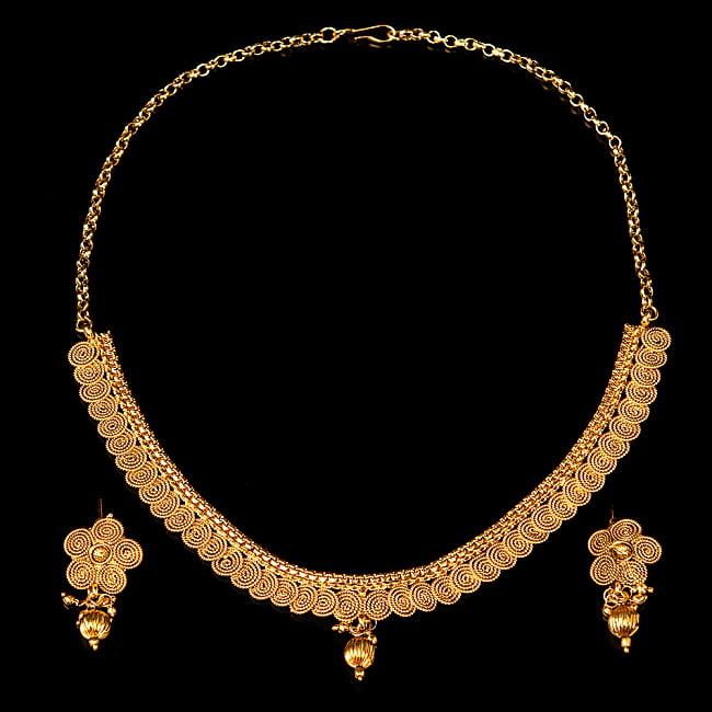 ゴールド・ドクラデザイン ネックレス&ピアスセット インド伝統アクセサリー 2 - 拡大写真全体写真です