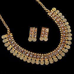 ゴールド・ドクラデザイン ネックレス&ピアスセット インド伝統アクセサリー
