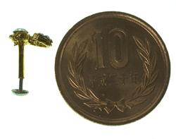 インドの鼻ピアス(中) 4 - 横に10円玉を置いた写真です