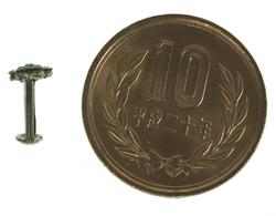 インドの鼻ピアス(小) 5 - 横に10円玉を置いた写真です