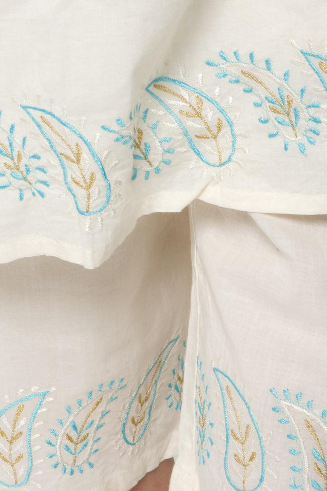 ペイズリー刺繍のルームウェア 【オフホワイト】 3 - 裾にも刺繍があります。