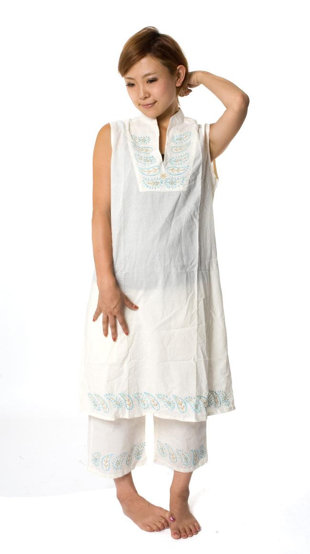 ペイズリー刺繍のルームウェア 【オフホワイト】の写真