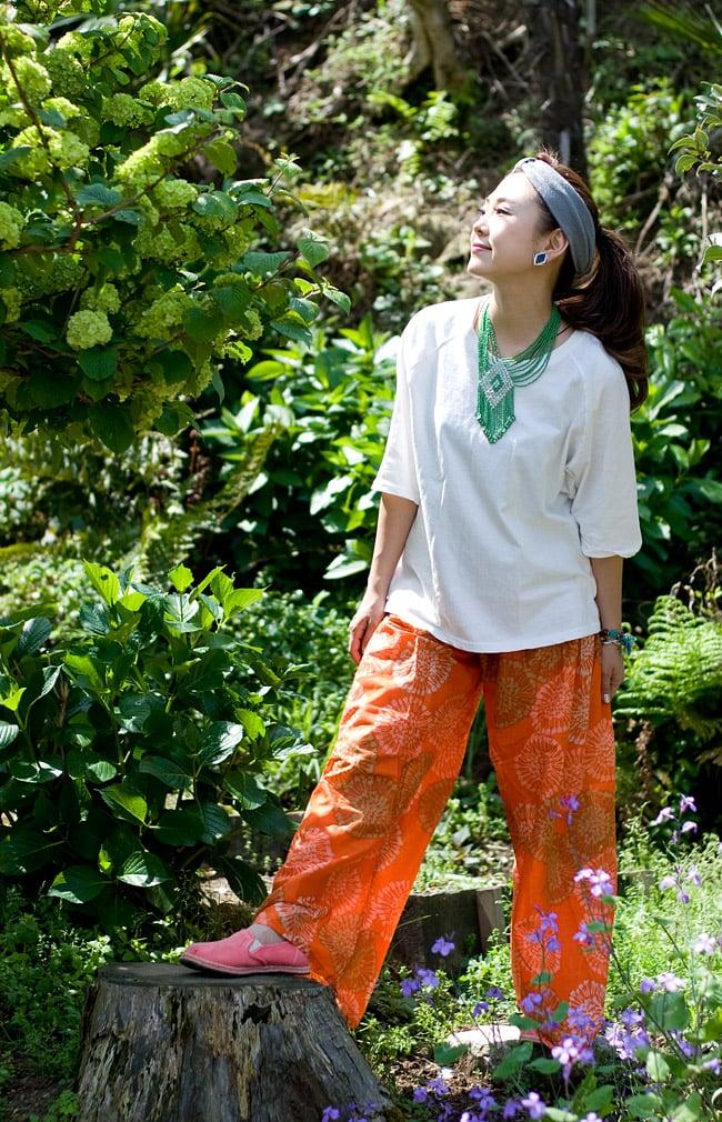 カラフルプリントのワイドパンツの写真4 - C:オレンジ