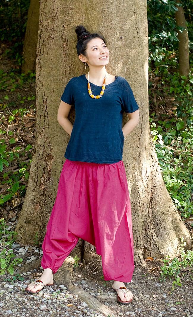 プレーンモモンガパンツの写真2 - A:ピンク:身長165�のスタッフが着てみました。