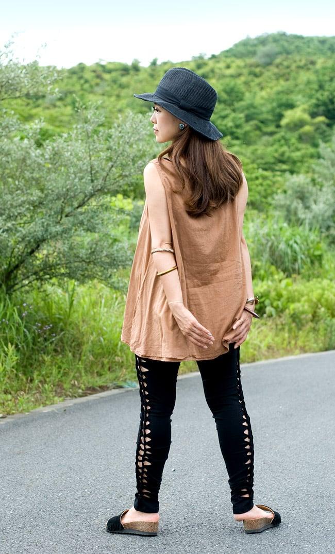 編み上げカッティングトライバルパンツの写真2 - B:ブラック:身長150�のスタッフ着用例です。