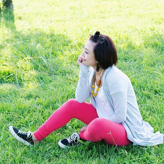 リラックスレギンスパンツ 動きやすく心地の良い軽やかさの写真9 - 【選択:A】ビビッドピンク