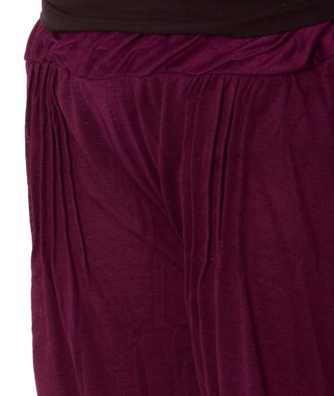 シャーリング ストレッチパンツ-ショート 【深紫】 3 - ウェスト部分をアップにしてみました。シャーリングがポイントです。
