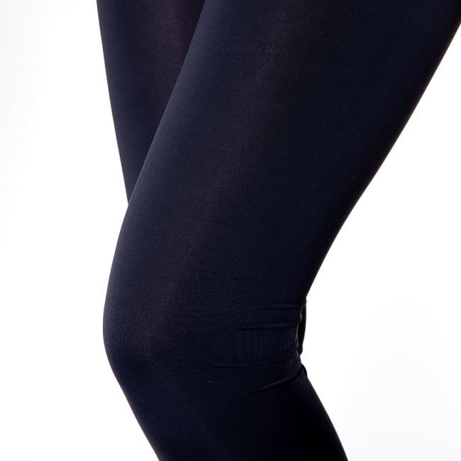 シンプルブラック美脚ヨガレギンス 6 - 肌触りの良い生地が使われています