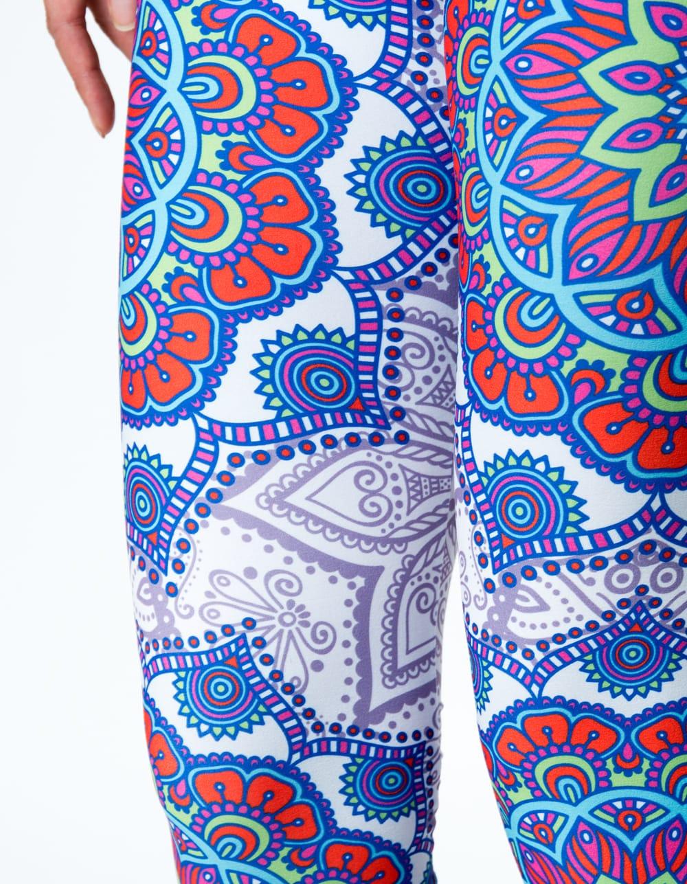 フルグラフィック マンダラ美脚ヨガレギンス - アーリーサマー 6 - 肌触りの良い生地が使われています