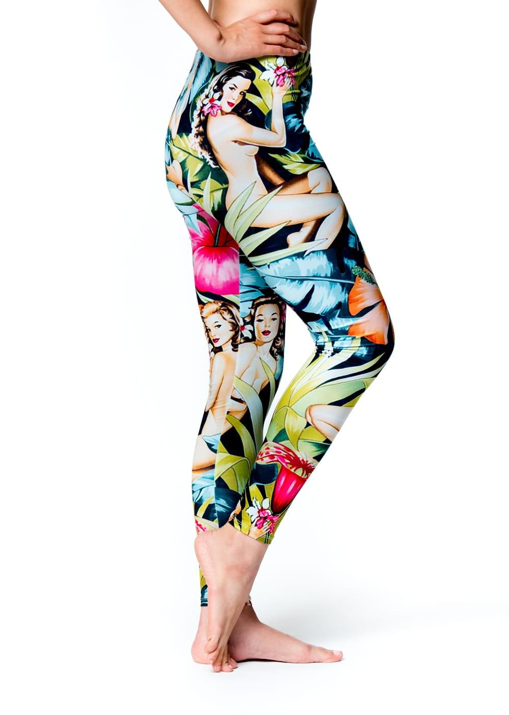 フルグラフィック美脚ヨガレギンス サイケデリック&パーティー系 - ハワイアン 4 - 横からの写真です