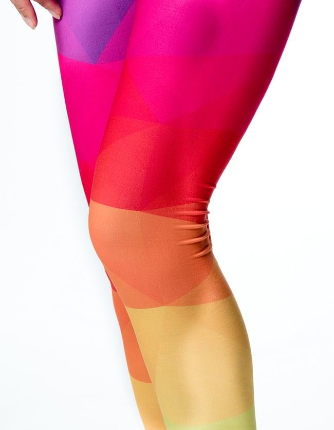 フルグラフィック美脚ヨガレギンス サイケデリック&パーティー系 - カラフルポリゴン 6 - 肌触りの良い生地が使われています