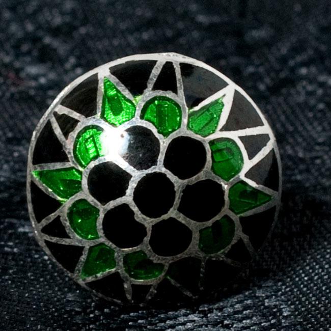 [シルバー925]ムガルのシルバーピアス[丸形(1.5cm)] - 黒×青×緑系 9 - 【選択 - E】の写真です。