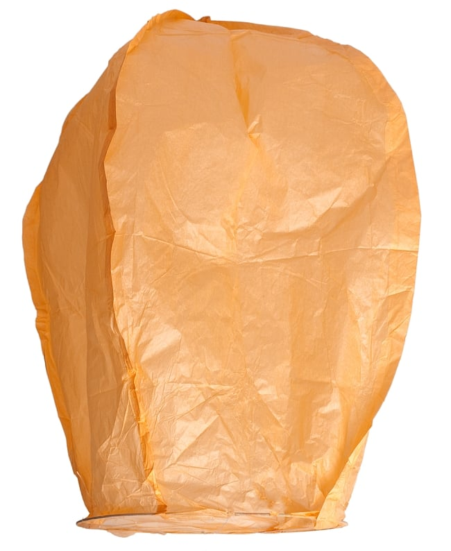大空に舞い上がるスカイランタン ホワイト系【アジアの文化紹介用・無保証・100個セット】 7 - 実際にパッケージを開けて撮影しました。※写真はオレンジですが基本的には、お送りするのはホワイト系です。