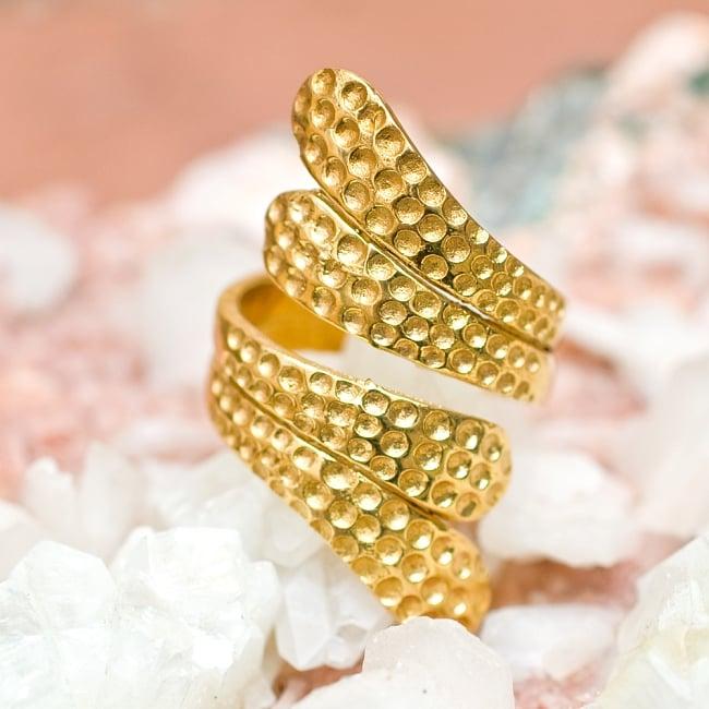 【フリーサイズ】インドのペイズリーゴールドリング -長さ約4cm 5 - とても可愛らしい指輪です