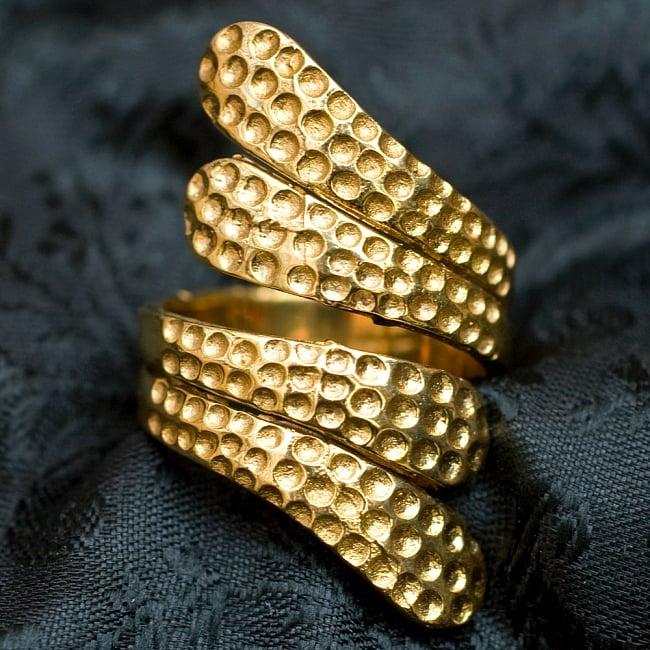 【フリーサイズ】インドのペイズリーゴールドリング -長さ約4cmの写真