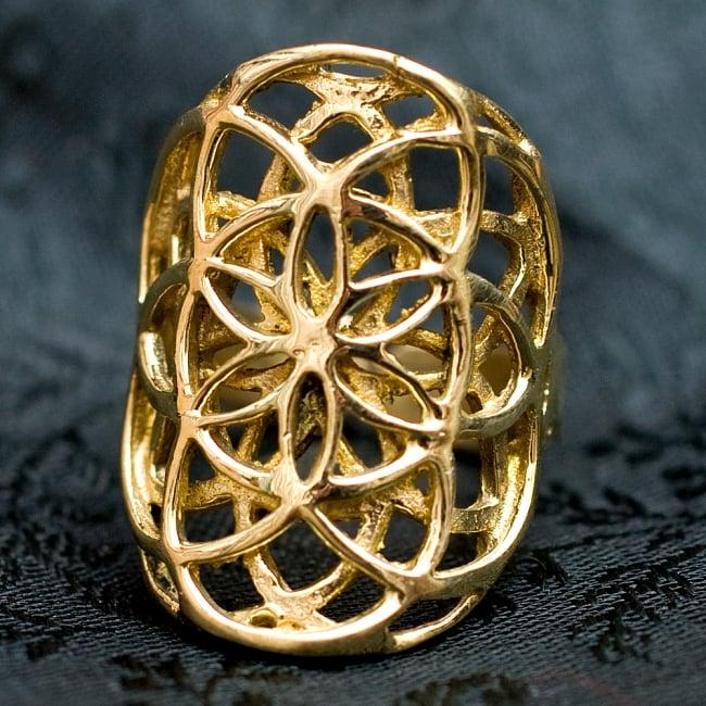 Flower Of Life のゴールドリングの写真