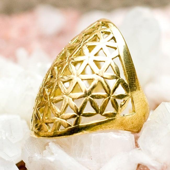 Flower Of Life の精巧ゴールドリング 5 - とても可愛らしい指輪です