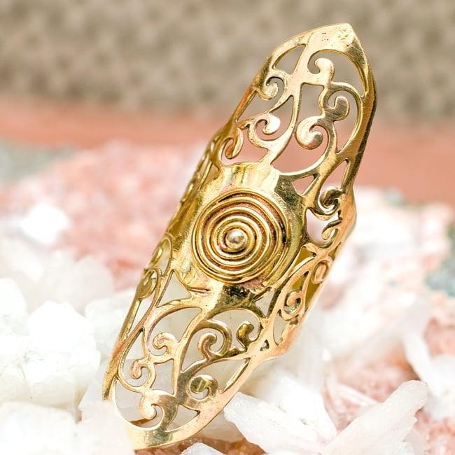 ペイズリー模樣のぐるぐるゴールドロングリング -長さ約5.5cm 5 - とても可愛らしい指輪です